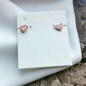 Nwot Kendra Scott Ari earring in pink